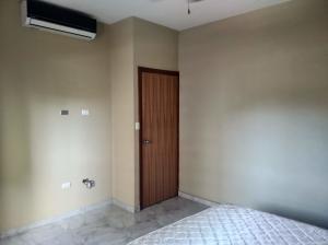 Apartamento En Venta En Valencia - Los Mangos Código FLEX: 20-4810 No.6