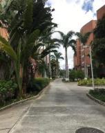 Apartamento En Venta En Caracas - Villa Nueva Hatillo Código FLEX: 20-4971 No.1