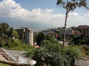 Apartamento En Venta En Caracas - Colinas de Bello Monte Código FLEX: 20-6421 No.1