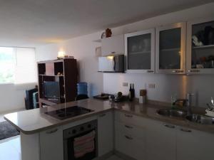 Apartamento En Venta En Caracas - Los Naranjos Humboldt Código FLEX: 20-7196 No.2