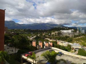 Apartamento En Venta En Caracas - Los Naranjos Humboldt Código FLEX: 20-7196 No.8