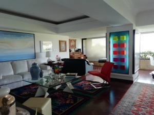 Apartamento En Venta En Caracas - Alto Hatillo Código FLEX: 20-7008 No.2