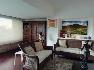 Apartamento En Venta En Caracas - Alto Hatillo Código FLEX: 20-7008 No.3