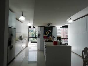 Apartamento En Venta En Caracas - Alto Hatillo Código FLEX: 20-7008 No.17