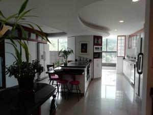 Apartamento En Venta En Caracas - Alto Hatillo Código FLEX: 20-7034 No.5