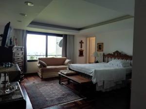 Apartamento En Venta En Caracas - Alto Hatillo Código FLEX: 20-7034 No.7