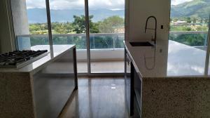 Apartamento En Venta En Valencia - Terrazas del Country Código FLEX: 20-7596 No.5