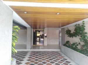 Apartamento En Venta En Caracas - Colinas de Santa Monica Código FLEX: 20-7687 No.1