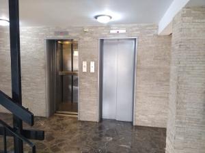 Apartamento En Venta En Caracas - Colinas de Santa Monica Código FLEX: 20-7687 No.2