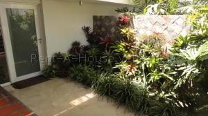 Casa En Venta En Caracas - Sebucan Código FLEX: 20-7735 No.1