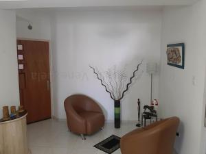 Apartamento En Venta En Valencia - Las Chimeneas Código FLEX: 20-8123 No.3