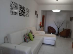 Apartamento En Venta En Valencia - Las Chimeneas Código FLEX: 20-8123 No.10