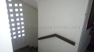 Apartamento En Venta En Caracas - La Pastora Código FLEX: 20-7877 No.4