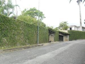 Casa En Venta En Caracas - La Lagunita Country Club Código FLEX: 20-7929 No.1