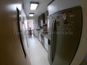Apartamento En Venta En Caracas - Prados del Este Código FLEX: 20-8047 No.6