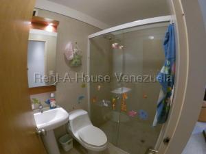 Apartamento En Venta En Caracas - Prados del Este Código FLEX: 20-8047 No.11