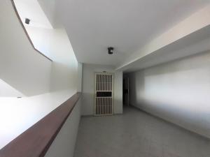 Apartamento En Venta En Valencia - Agua Blanca Código FLEX: 20-8107 No.2