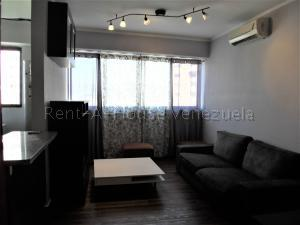 Apartamento En Venta En Valencia - Valle Blanco Código FLEX: 20-8202 No.1