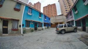 Casa En Venta En Valencia - El Parral Código FLEX: 20-8207 No.0