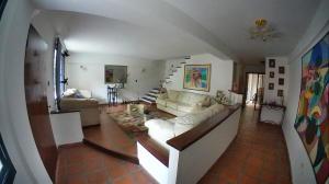 Casa En Venta En Valencia - El Parral Código FLEX: 20-8207 No.2