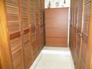Casa En Venta En Caracas - Cumbres de Curumo Código FLEX: 20-8284 No.14