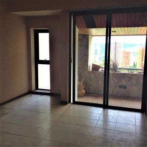 Apartamento En Venta En Valencia - El Parral Código FLEX: 20-8327 No.3