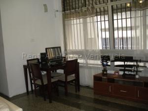 Apartamento En Venta En Caracas - San Bernardino Código FLEX: 20-8556 No.3