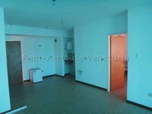 Apartamento En Venta En Valencia - La Trigaleña Código FLEX: 20-8683 No.3