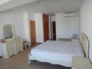 Apartamento En Venta En Valencia - La Trigaleña Código FLEX: 20-8683 No.6