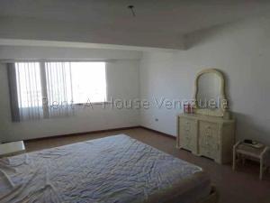 Apartamento En Venta En Valencia - La Trigaleña Código FLEX: 20-8683 No.5