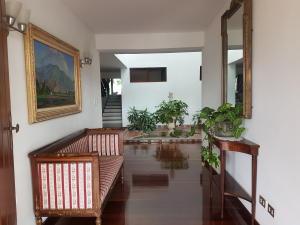 Casa En Alquiler En Caracas En Prados del Este - Código: 20-8776