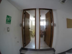 Oficina En Alquiler En Caracas En La Florida - Código: 20-9023