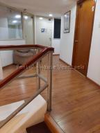 En Alquiler En Caracas - Chuao Código FLEX: 19-10296 No.3