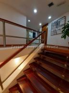 En Alquiler En Caracas - Chuao Código FLEX: 19-10296 No.2