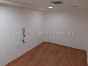 En Alquiler En Caracas - Chuao Código FLEX: 19-10296 No.8
