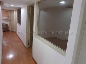 En Alquiler En Caracas - Chuao Código FLEX: 19-10296 No.11