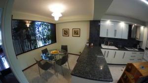 Apartamento En Venta En Caracas - Colinas de Valle Arriba Código FLEX: 20-9578 No.13