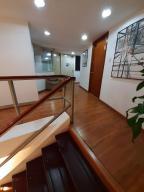 En Alquiler En Caracas - Chuao Código FLEX: 19-13765 No.2