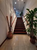 En Alquiler En Caracas - Chuao Código FLEX: 19-13765 No.1