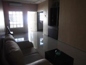 Casa En Venta En Guacara - Ciudad Alianza Código FLEX: 20-10376 No.2