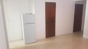 Apartamento En Venta En Caracas - Parroquia La Candelaria Código FLEX: 20-9276 No.3