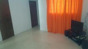 Apartamento En Venta En Caracas - Parroquia La Candelaria Código FLEX: 20-9276 No.2