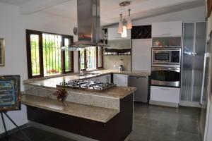 Casa En Venta En Caracas - El Hatillo Código FLEX: 20-11131 No.3