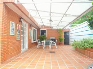 Casa En Venta En Valencia - Altos de Guataparo Código FLEX: 20-11403 No.3