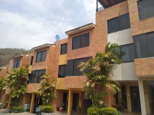 Townhouse En Venta En Valencia - Lomas del Este Código FLEX: 20-11722 No.1