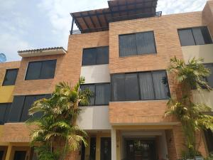 Townhouse En Venta En Valencia - Lomas del Este Código FLEX: 20-11722 No.3