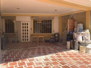 Casa En Venta En Valencia - Sabana Larga Código FLEX: 20-11929 No.11