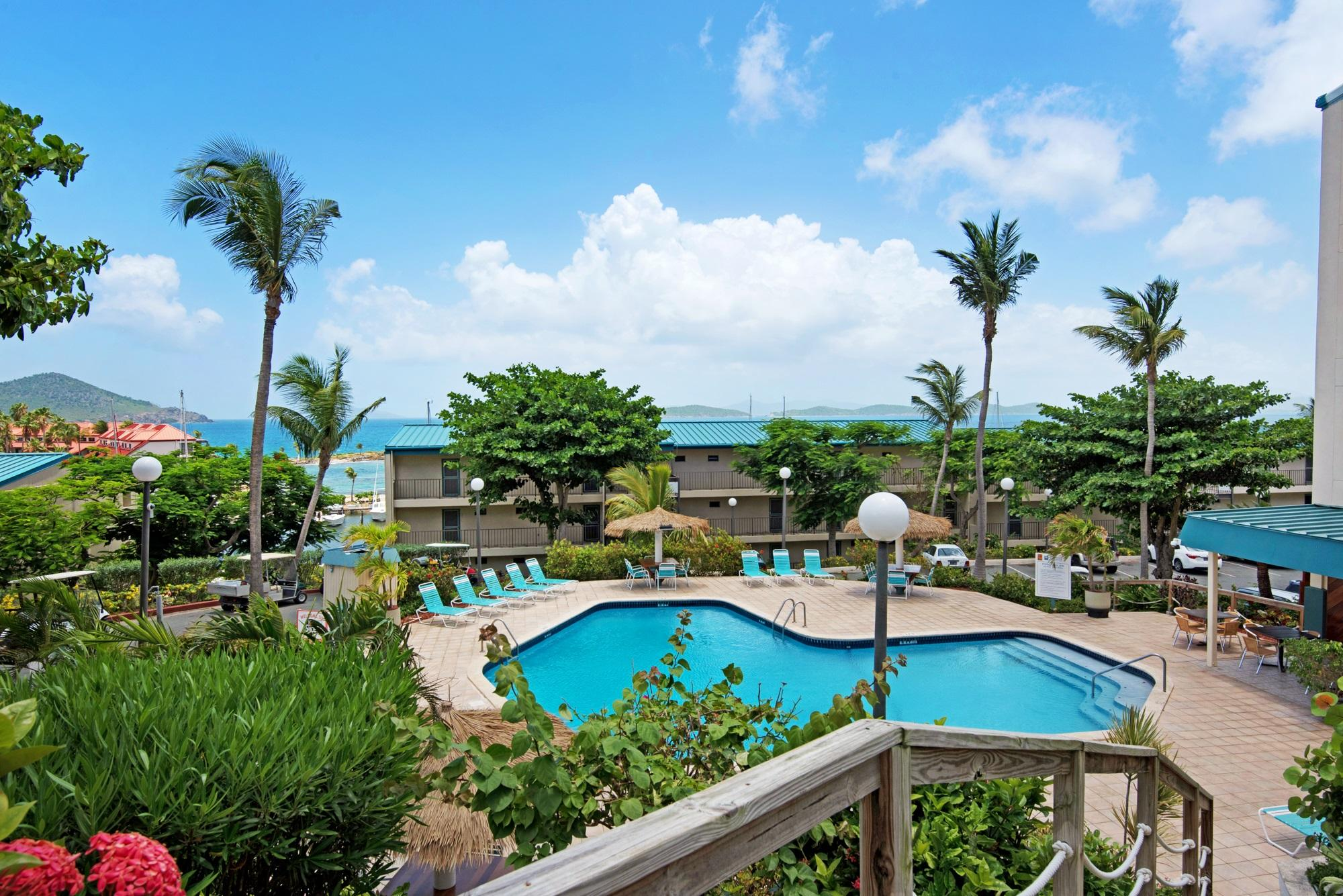 Additional photo for property listing at Sapphire Hill Village 192 Smith Bay EE Sapphire Hill Village 192 Smith Bay EE St Thomas, Virgin Islands 00802 Виргинские Острова