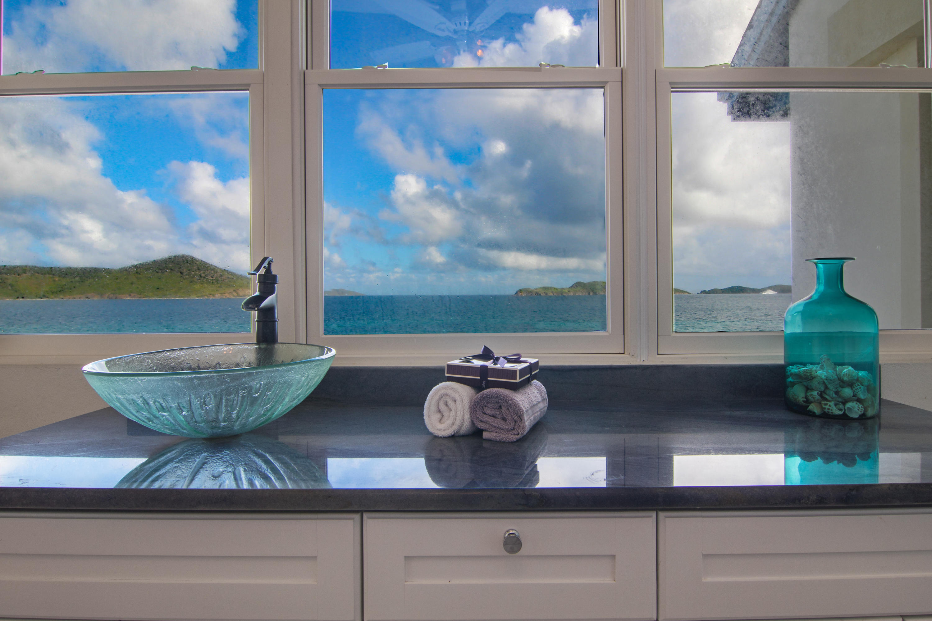 Additional photo for property listing at 11B-7 Smith Bay EE 11B-7 Smith Bay EE St Thomas, Virgin Islands 00802 United States Virgin Islands