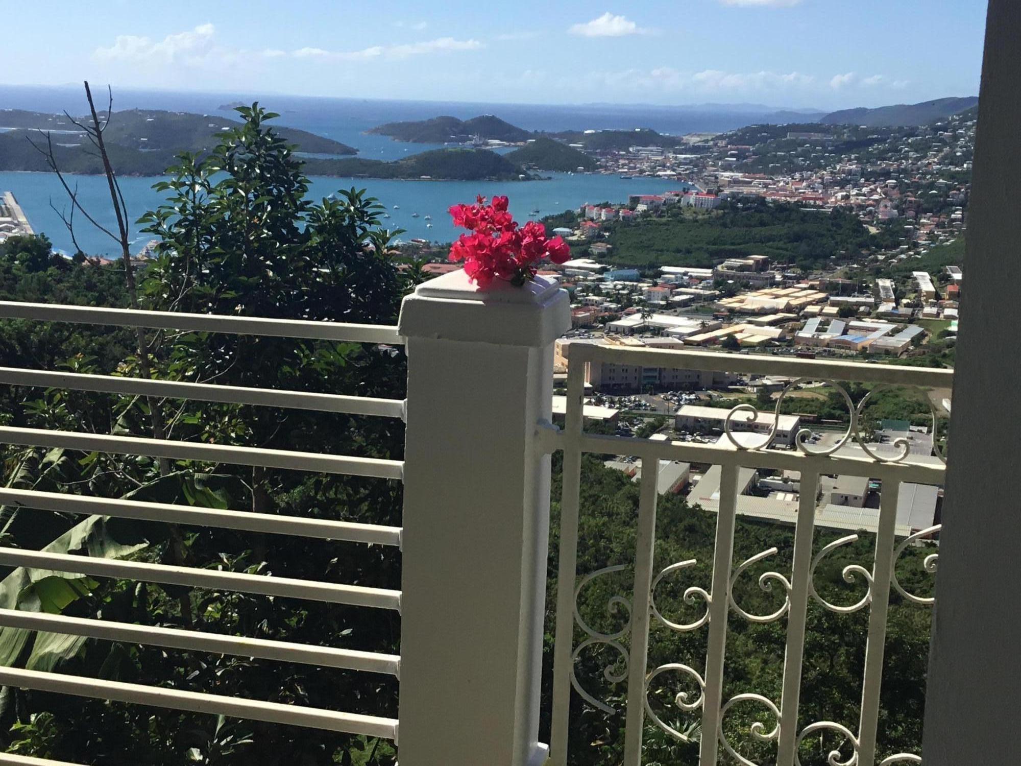 Casa Unifamiliar por un Alquiler en 17-3 Raphune NEW 17-3 Raphune NEW St Thomas, Virgin Islands 00802 Islas Virgenes Ee.Uu.